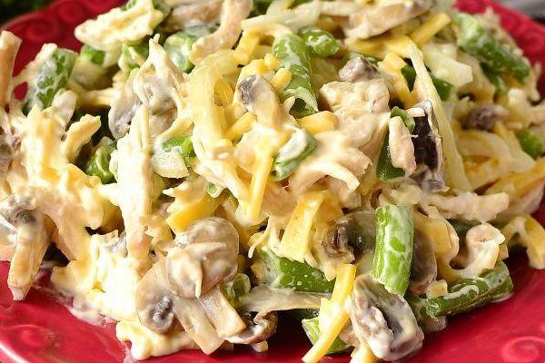 Куриные салаты с маринованными грибами: рецепты салатов ...
