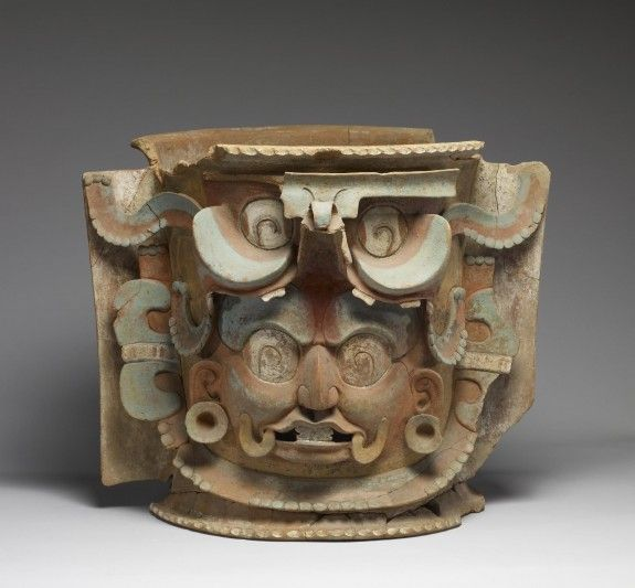 A Guatemalan burial urn ca. 550-850 Large, lidded urns were unique to the K'iché Maya of southern Guatemala.