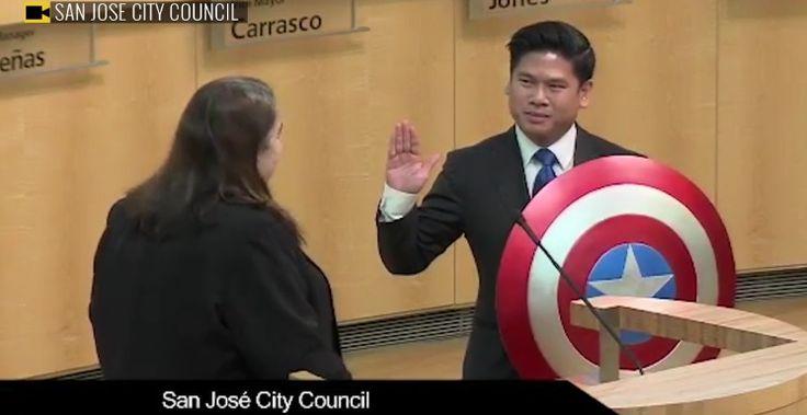 Político estadounidense juramenta con escudo del Capitán América (video)