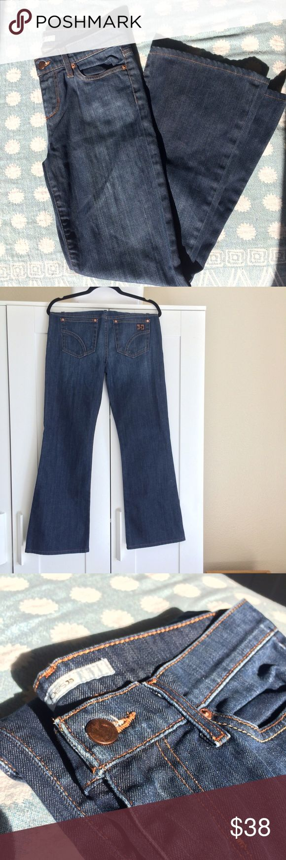 """joe's jeans size 28 wide leg provocateur dark blue perfect dark wash denim with on-trend-for-fall wide leg by joe's jeans. regular length. amazing neutral jeans for fall. excellent used condition / EUC. style name is """"wide leg provocateur"""" (see photo of inside tag). size 28. fit true to size. Joe's Jeans Jeans Flare & Wide Leg"""