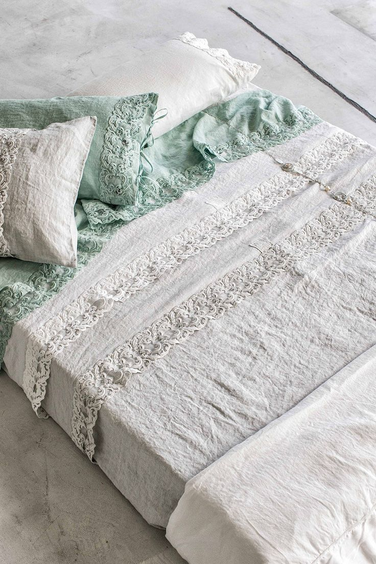 #danieladallavalle #artepura #fw15 #collection #white #green #bed #sheets #pillows