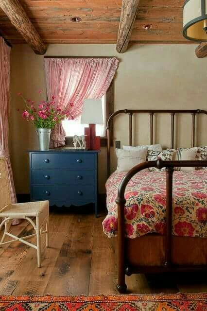 10 Ideas For Decorating With Painted Furniture   Town U0026 Country Living