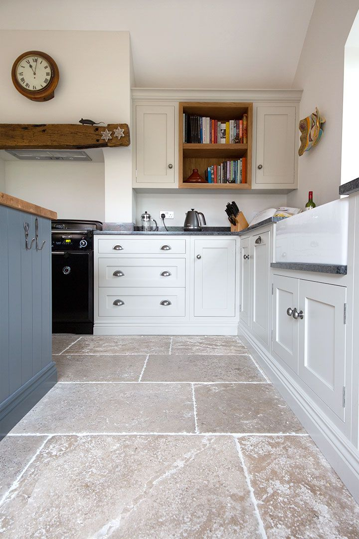 Bordeaux Aged Chateau French Limestone Tiles Mystonefloor Com Country Kitchen Flooring House Flooring Stone Kitchen Floor