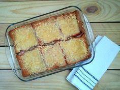 Aprende a preparar pastel de pan de molde con jamón York y queso al horno con esta rica y fácil receta. Los pasteles salados son por lo general recetas sencillas de...