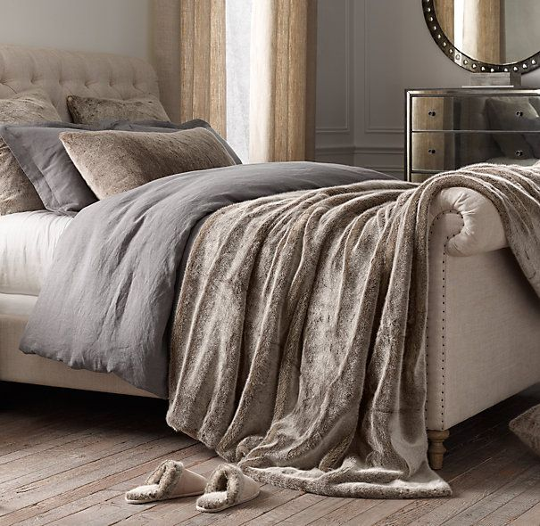 Love that oversized luxe faux fur throw. Best 25  Bed throws ideas on Pinterest   Large knit blanket  Wool