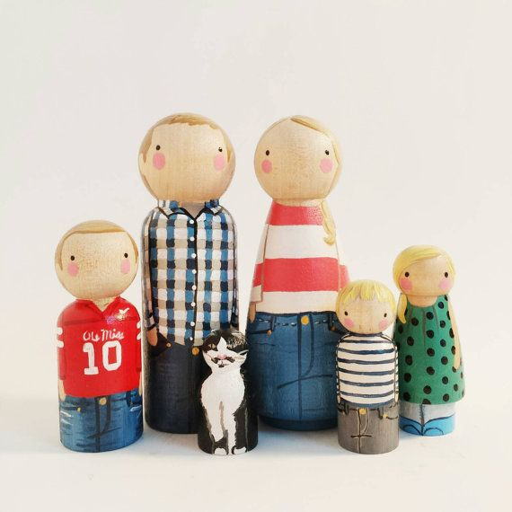 Custom peg family of 6 // personalized peg dolls // modern doll house // custom family portrait // wooden dolls