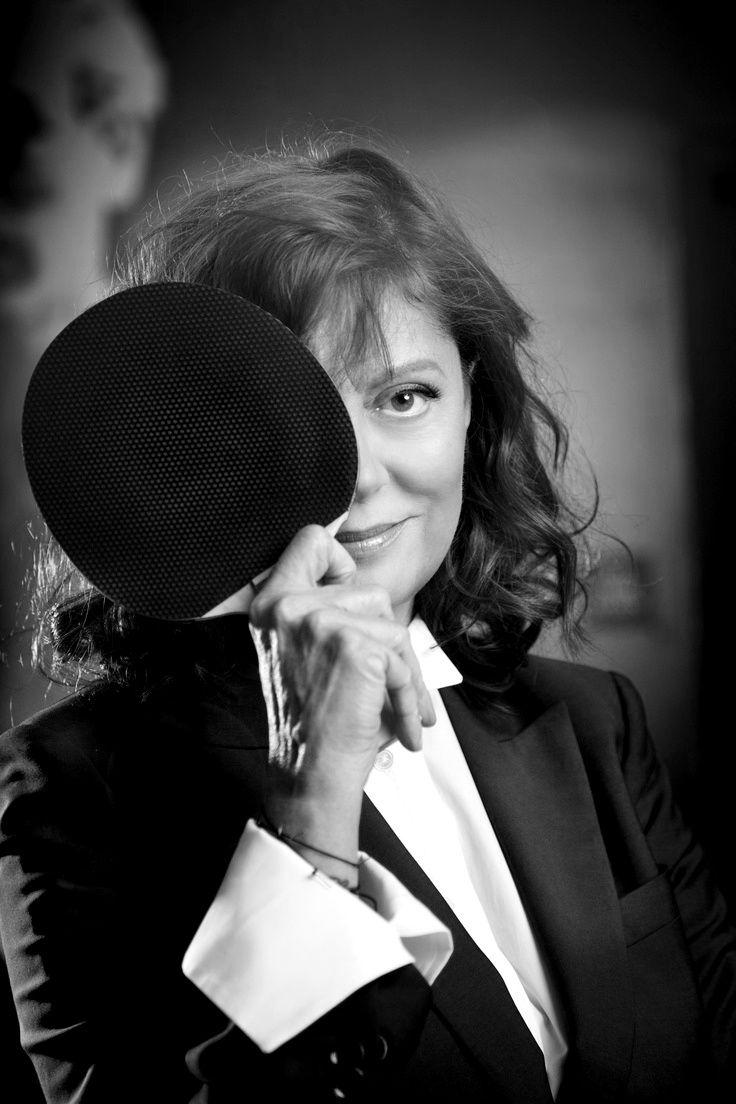 Ravageuses play ping pong. | Susan Sarandon by Steve Schofield