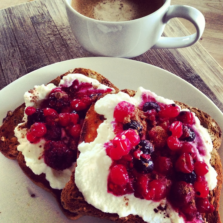 Possibly more Mixed Berry than Raspberry, but my version of @12WBT Choc-ricotta & Raspberry Toast is stil amazing!