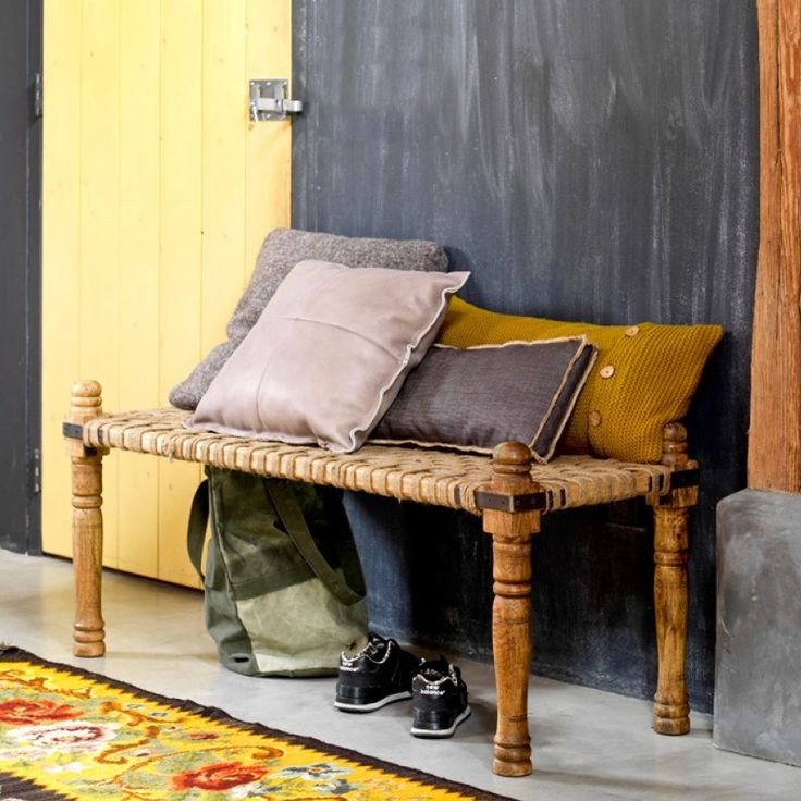 Daybed van Bodilson....maar ook handig als tafeltje en als je ruimte hebt een goed alternatief voor het traditionele nachtkastje! Online verkrijgbaar, zonder verzendkosten