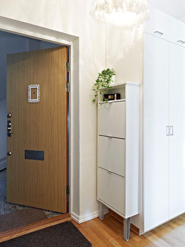 Piso de 36m² con cama escondida en un armario