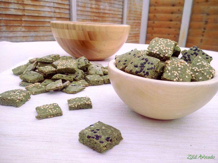 Szezámmagos spenótos kréker (gluténmentes, laktózmentes, tojásmentes, vegán) / Recept / spenót, rizsliszt, lenmag,  mandulaliszt, növényi joghurt, szódabikarbóna, szezámmag, olívaolaj