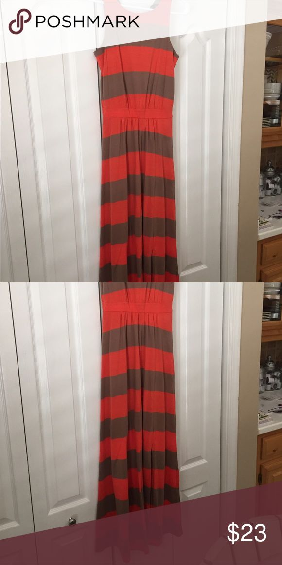 Stripe Maxi dress Orange and tan striped maxi from target. Super flattering and adorable on! In great condition. Target Dresses Maxi