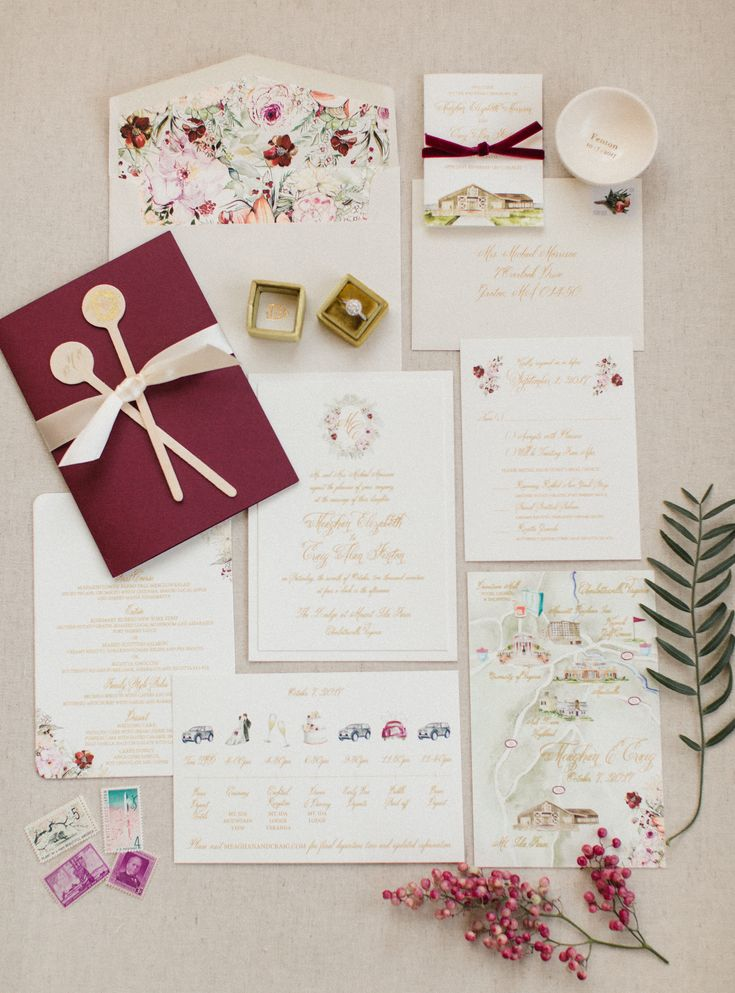 Gorgeous fall invites | Photography: Meredith Sledge