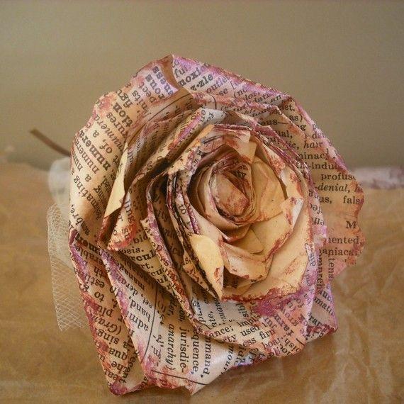 rosa-vecchio-giornale