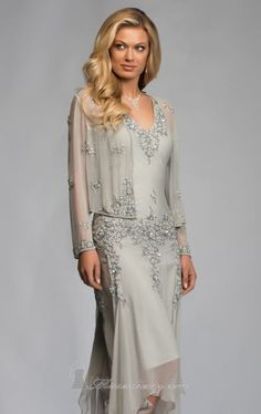 Perlenverziertes Kleid von Scala Mutter der Braut
