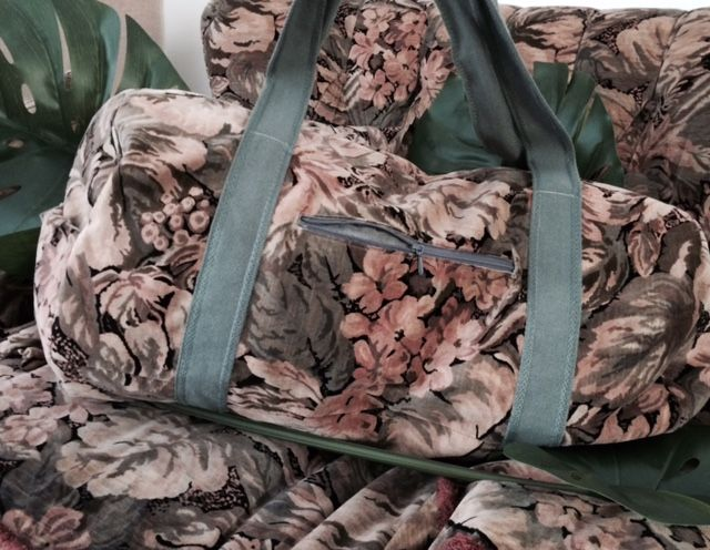 """Die #machdeinding2016-Tasche von Franziska Weil: """"Meinen Weekender habe ich aus einem alten Vorhang genäht und nun passt er zu meinem Sofa!"""""""