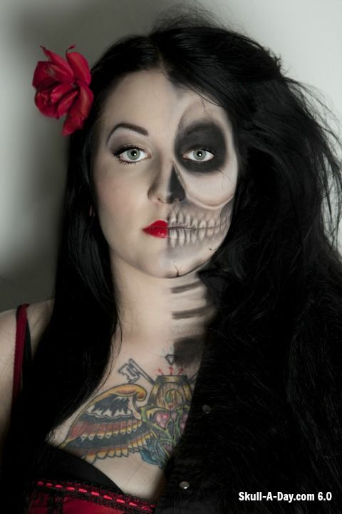 Crystal Overland of Toronto, Ontario, Canada, is a makeup artist. She created these skull makeup looks.