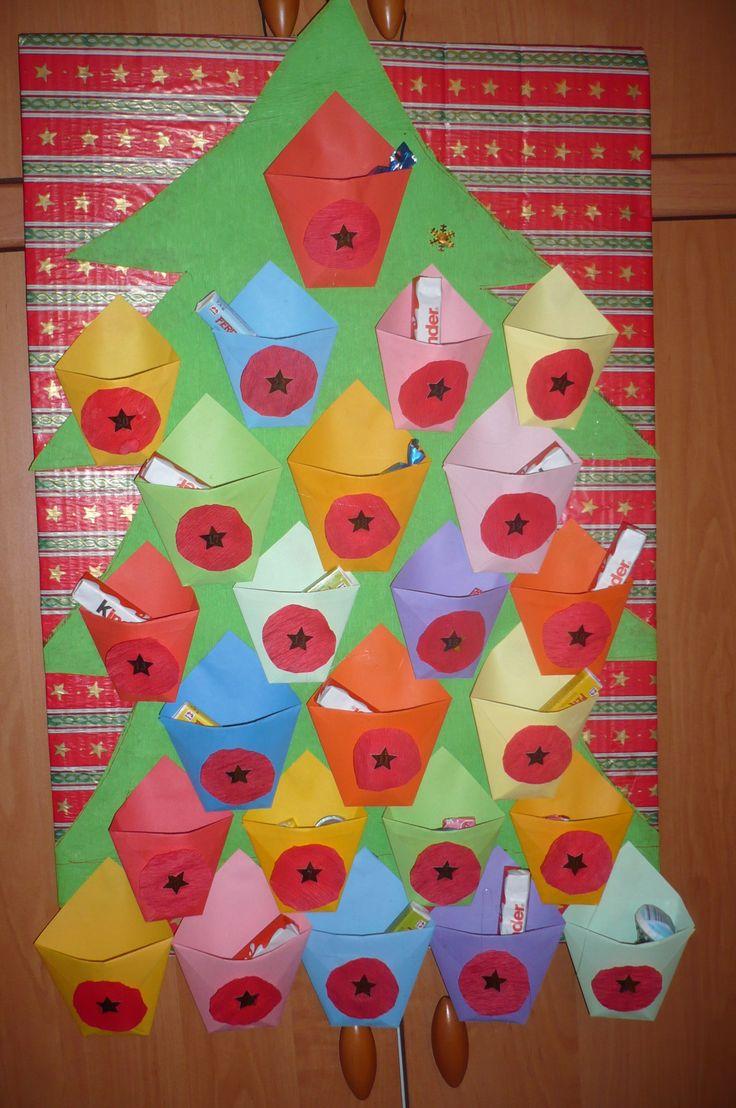 Mnou dělaný papírový adventní kalendář