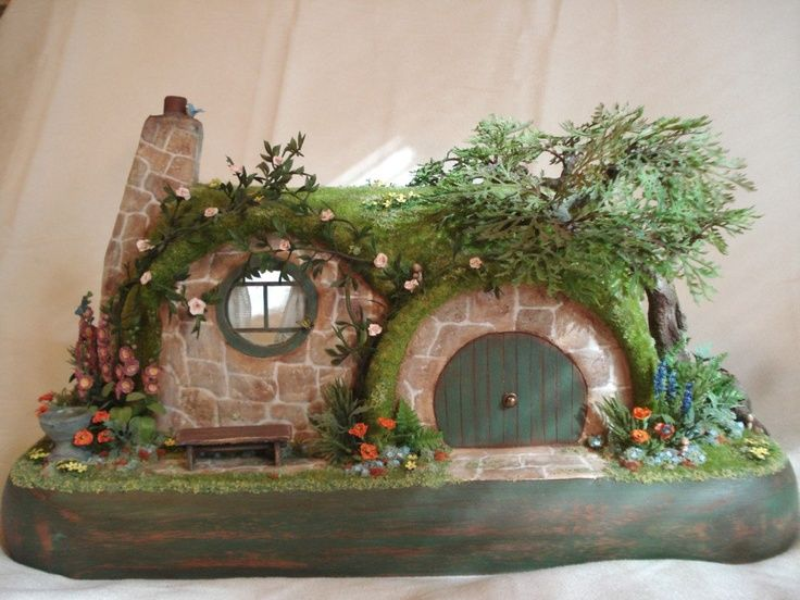 hobbit and gnome houses   visit etsy com