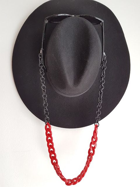 Red and black sunglasses chain