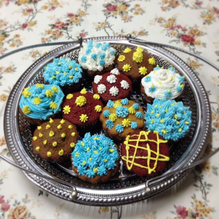 Red Velvet, Chocolate and Vanilla Cupcakes