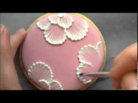 video tutorial - how to do brush embroidery flowers (in royal icing on sugar cookies).  looks SO complicated and GORGEOUS, but seems pretty easy after watching this video!