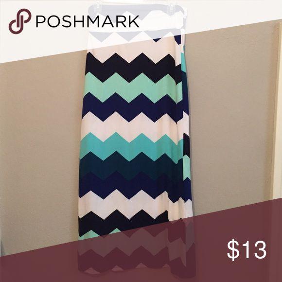 Super soft chevron maxi skirt Rue21 super soft maxi skirt! Chevron print, worn once. Rue 21 Skirts Maxi