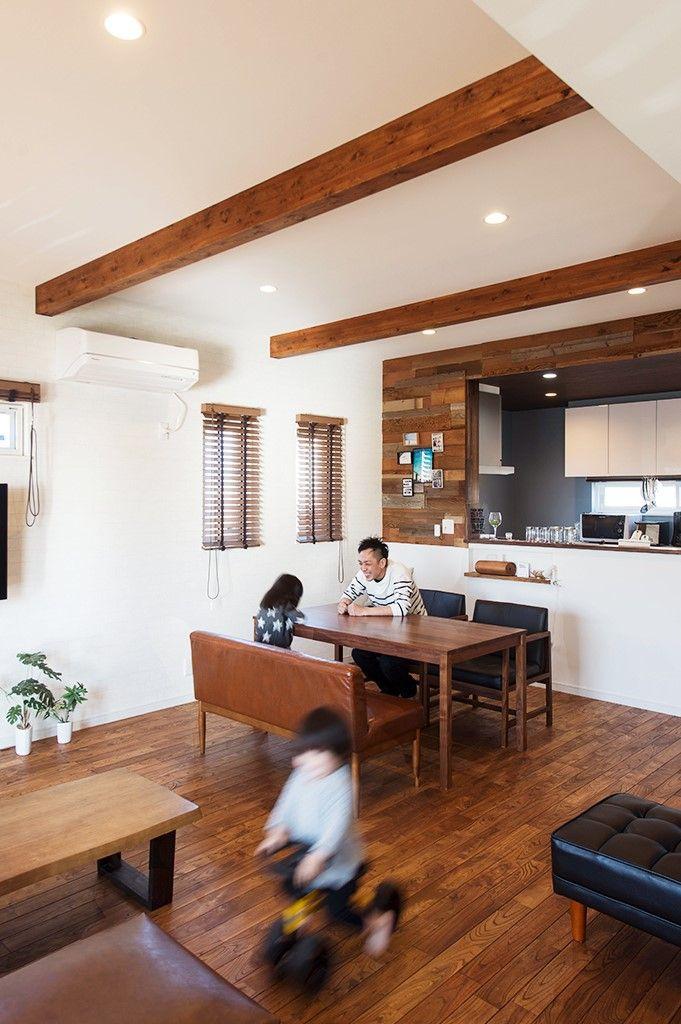 Ldkはグレーを中心とした黒 茶 白の家具や クロスなどで
