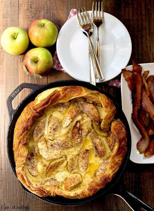 Caramelized Apple German Pancake Recipe - make pancakes for a crowd with this breakfast that's like a pancake meets a crepe!