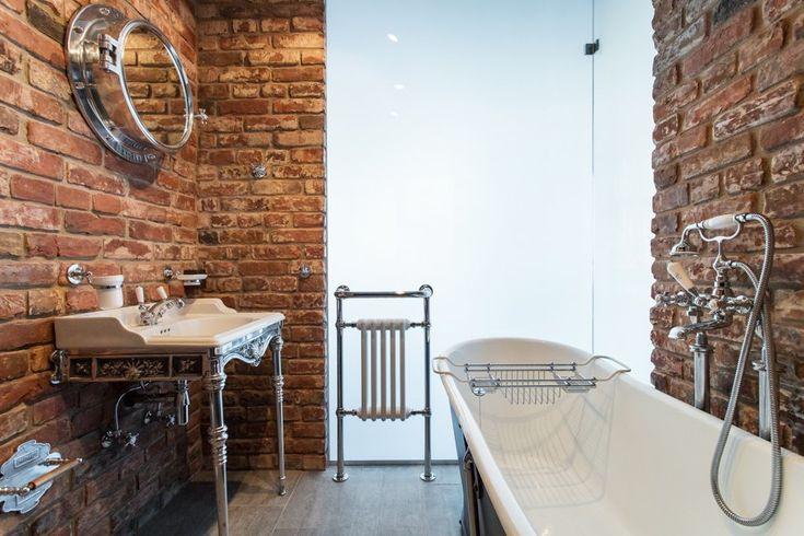 Лофт со стеклянной ванной комнатой на «Парке культуры» . Изображение № 23.