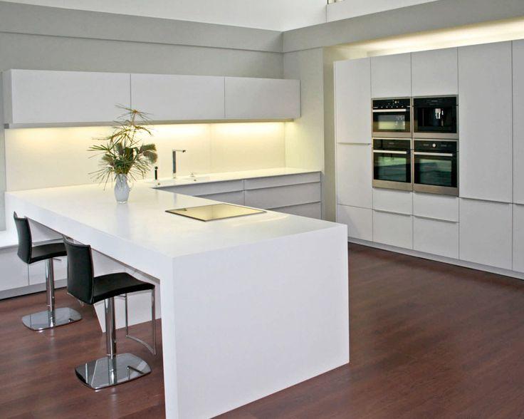 Oranjeburg schiedam keuken inspiratie u keuken praktisch door er tevens een tafel van te - Tafel design keuken ...