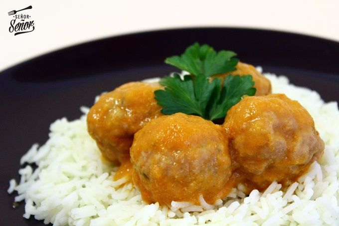 Albondigas de cordero al curry acompañadas de arroz Basmati Sundãri | Receta de Sergio