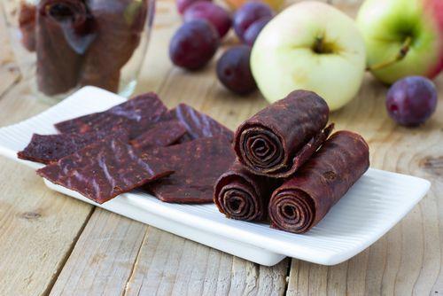 Ovocné roládky si pro svůj vzhled vysloužily přezdívku ovocné kůže.