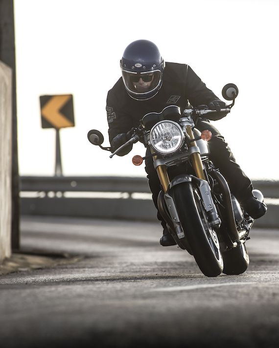 Triumph Motorcycles Thruxton 1200 R [in motion]