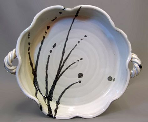 I like the shape, handles and simplicity of design on this casserole dish.