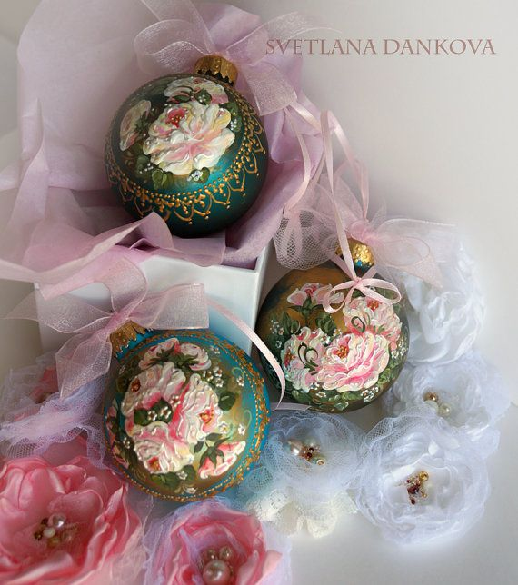 #Christmas #ornament #Victorian #roses #shabby #chic #handmade #painted #vintage #decoration #décor #pink