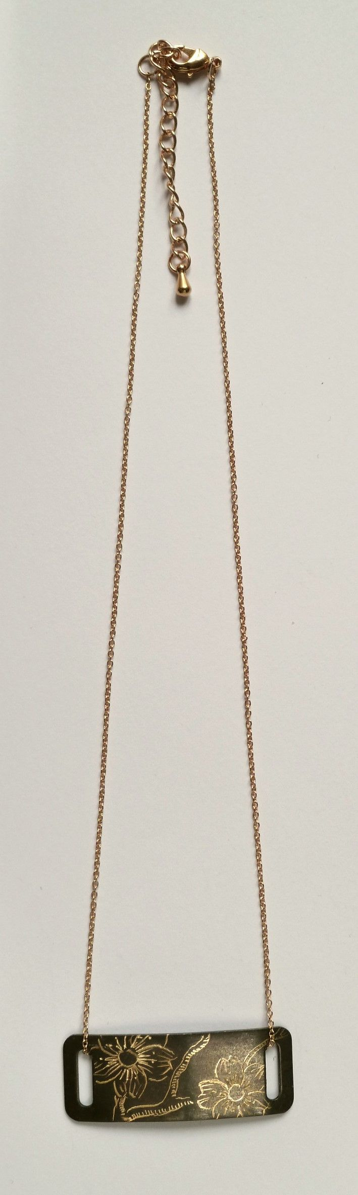 Collier rectangle.
