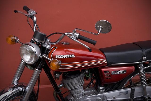 Honda CG 125, red