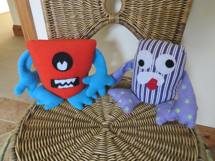 These monsters were made from the www.funkyfriendsfactory.com  pattern