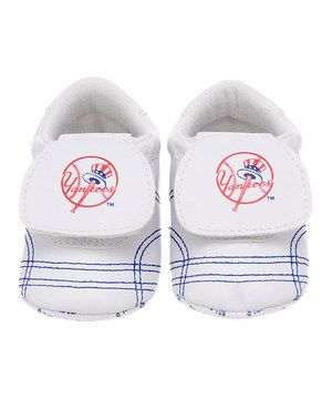 Love this Skidders New York Yankees White & Blue Sports Bootie - Infant by Skidders on #zulily! #zulilyfinds