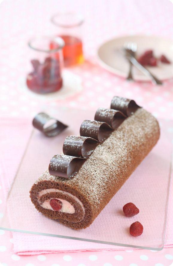 Verdade de sabor: Шоколадный рулет с клубникой / Torta de cacau com ...