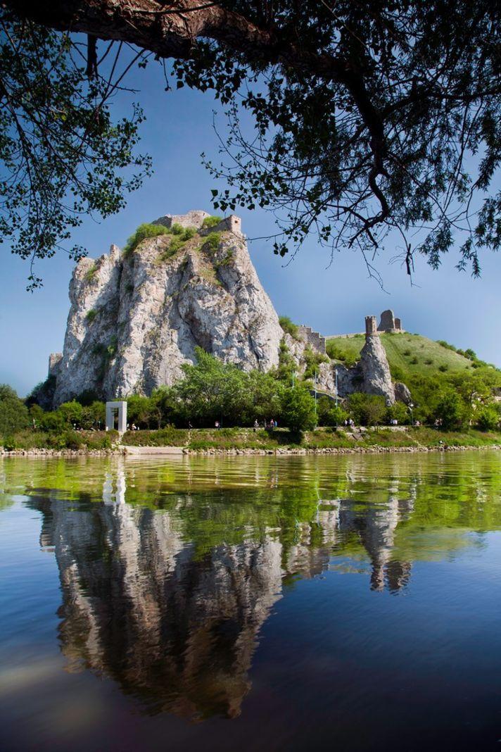 Hrad Devín - Slovakia.travel