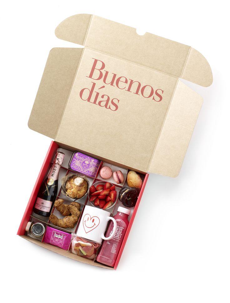Pink breakfast.  Desayuno San Valentín ❤️  Te lo llevamos a casa todos los días. Desayunos para regalar o para disfrutar.