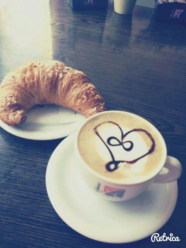 Love croissant
