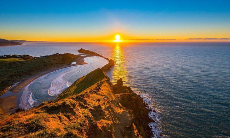 Te invito a desaprender todo lo malo ---------------------- Fot.: MJordanoff #nuevazelanda #newzealand #casttlerock #sun #sol #sunrise #amanecer #paisaje #seascape #oceano #ocean #mar #sea #musica #music ----------------------  Phenomenon - Thousand Foot Krutch