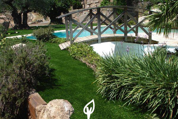 Decora tu jard n rodeando tu piscina con c sped artificial - Jardines sin mantenimiento ...