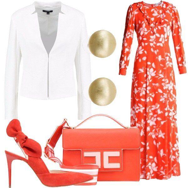 Outfit composto da vestito lungo in viscosa a fantasia floreale, balzer bianco, borsa a tracolla removibile in ecopelle con chiusura magnetica, décolleté scamosciato e orecchini in metallo dorato.