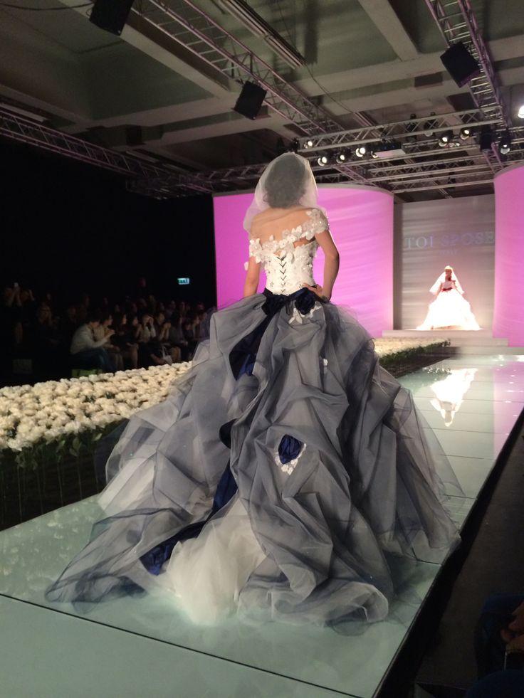 #collezione2015 abito da sposa con decori blu presso l'Atelier #IlGiardinodellSposa