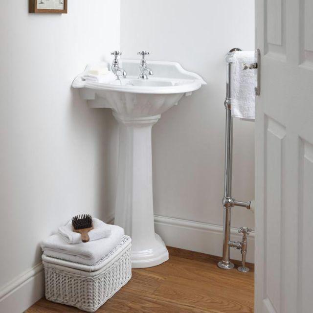 Die besten 25+ Corner basin Ideen auf Pinterest Badezimmer - eckschrank badezimmer weiß
