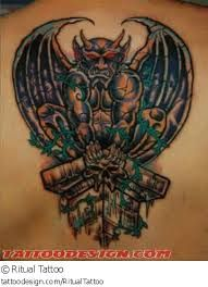 1000 ideas about gargoyle tattoo on pinterest zombie tattoos gothic fairy tattoo and gothic. Black Bedroom Furniture Sets. Home Design Ideas